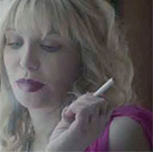 Courtney Love vaping